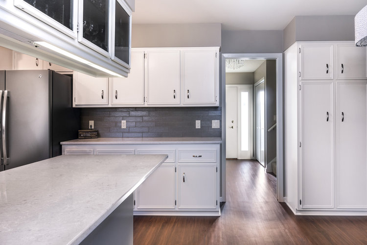Dont settle for plastic kitchen cabinet doors that can't handle wear-and-tear in Moorhead, MN.